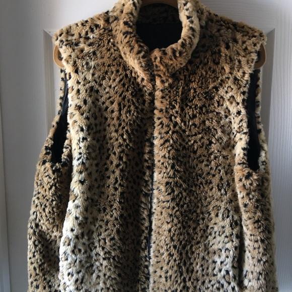 Worthington Jackets & Blazers - Leopard print Reversible faux fur vest XL.